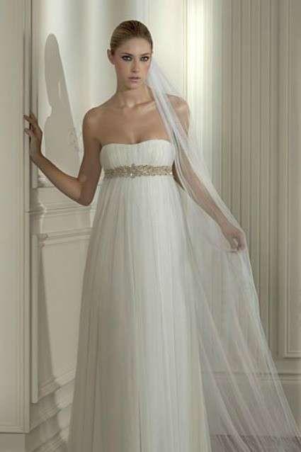 vestidos de novia para bajitas: fotos de trajes - vestido de corte