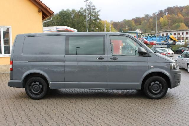 vw t5 2 0 tdi 4motion lang klima ahk transporter kastenwagen in schmalkalden. Black Bedroom Furniture Sets. Home Design Ideas
