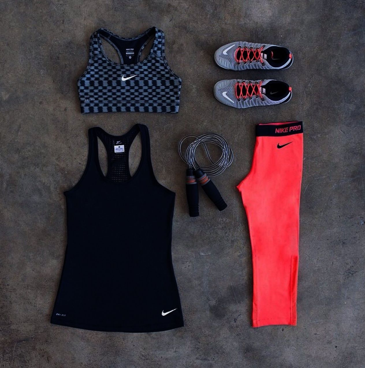 FITTIN Women's Workout Leggings Capris with Pocket Yoga