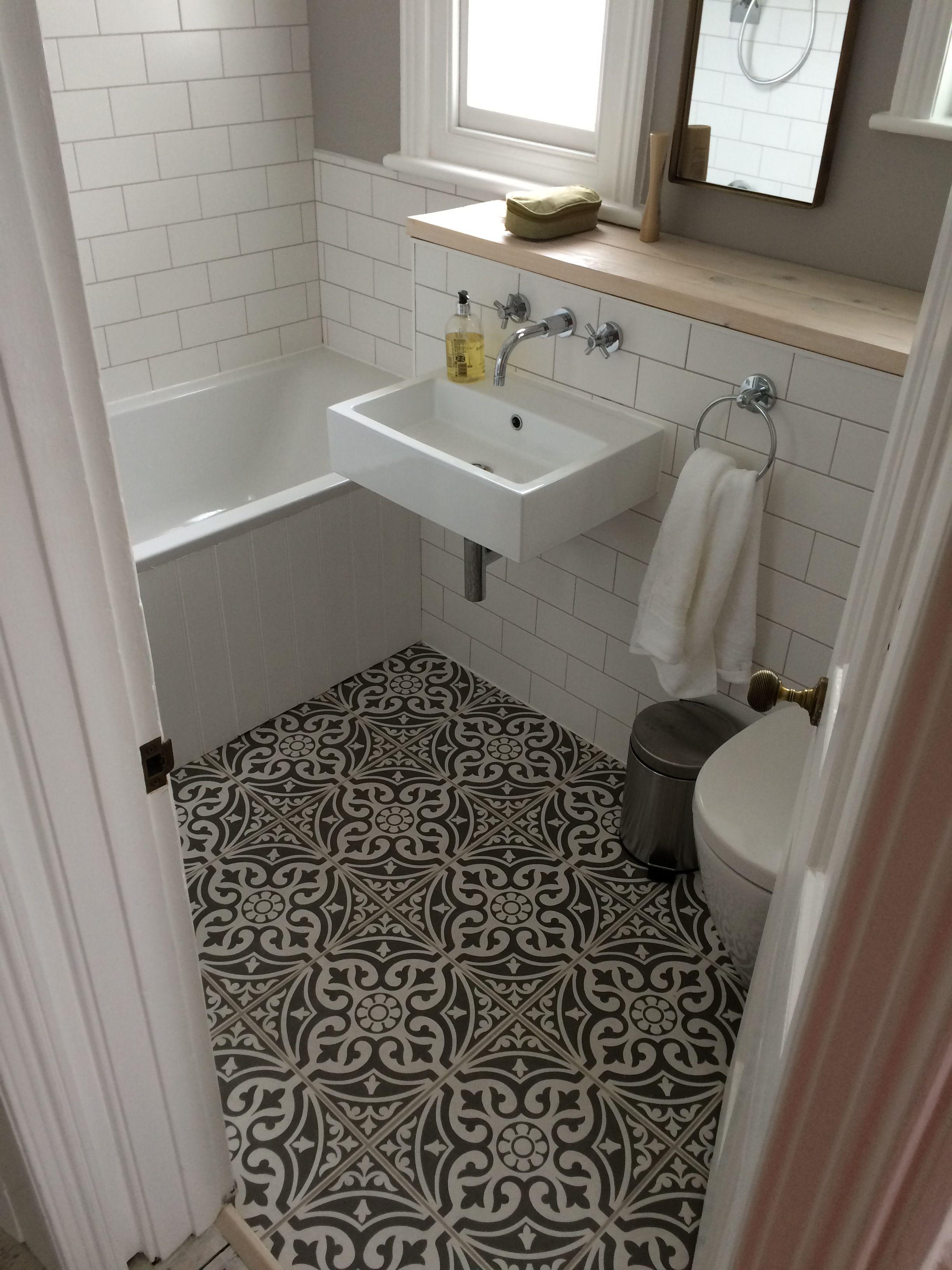 Small window ideas bathrooms   beautiful small bathroom ideas  downstairs bathroom small