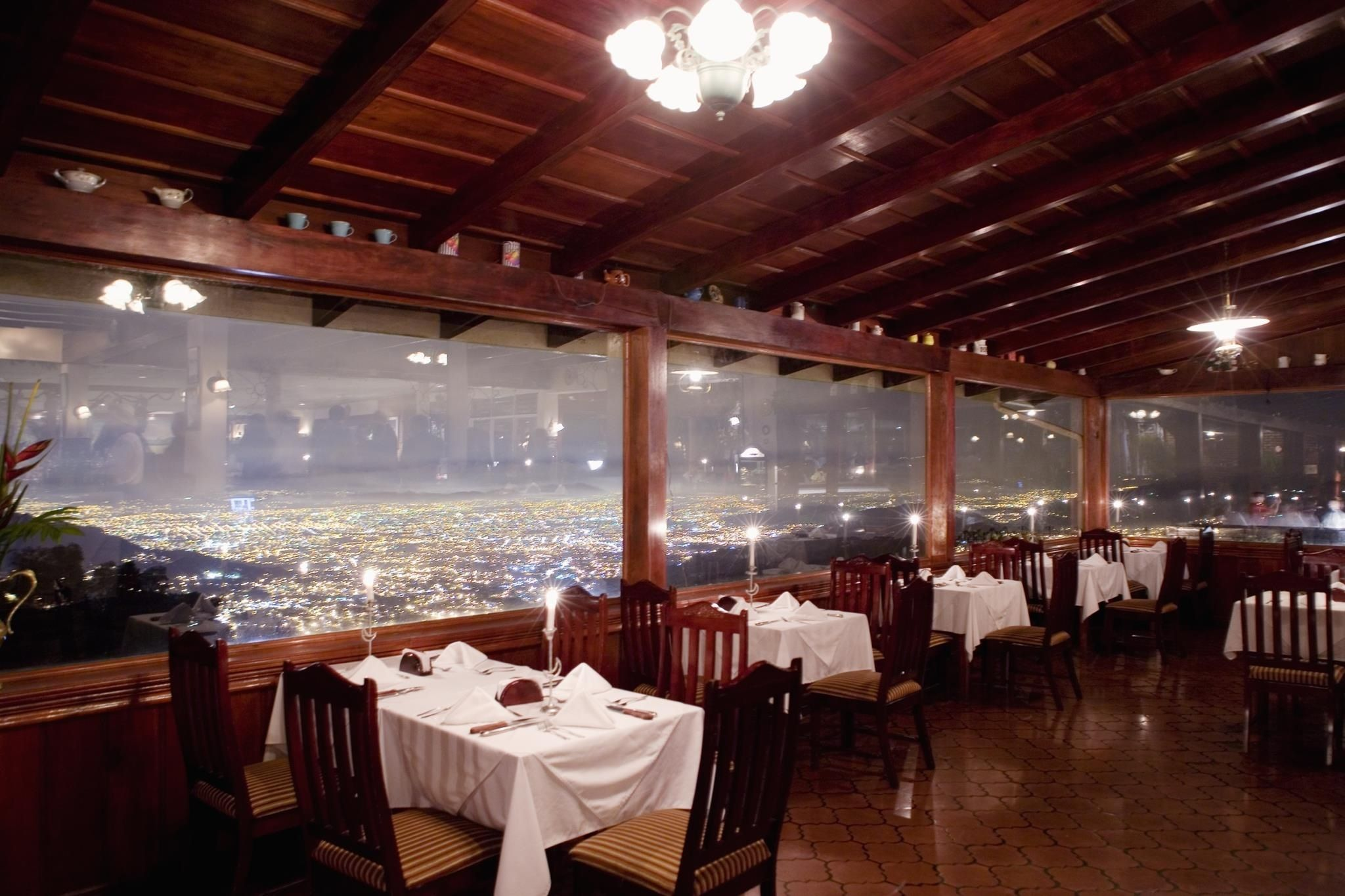 Since 1967 mirador ram luna restaurant in san jos for Romantic restaurant san jose