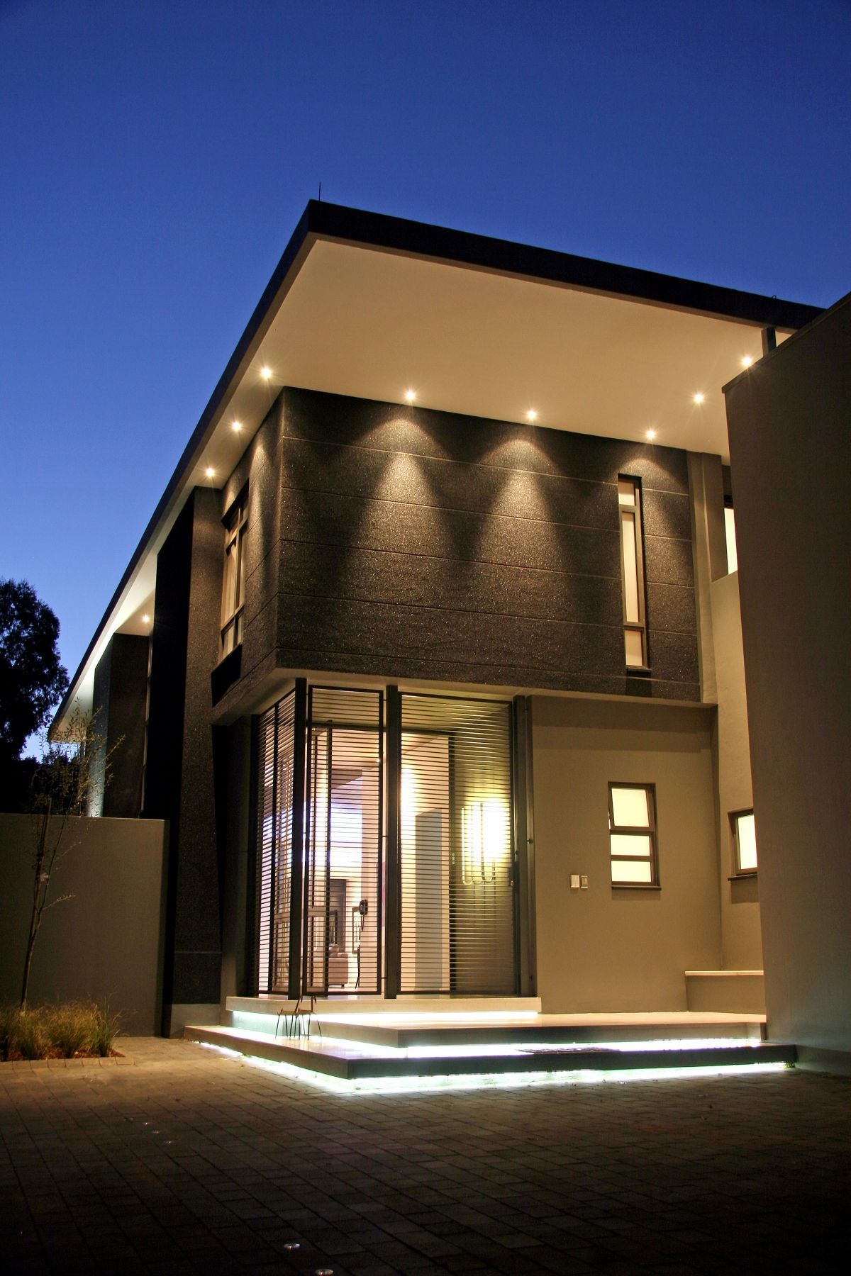 luxury and large contemporary house nice lighting ForBuilding Exterior Lighting Design