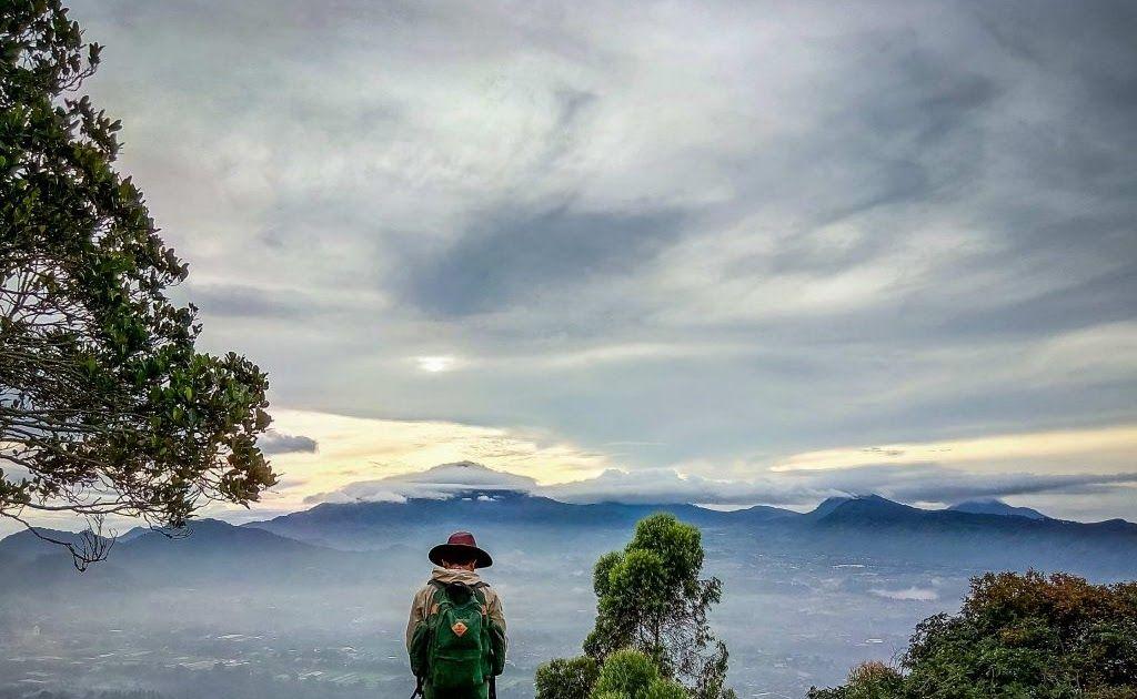 13 Pemandangan Alam Jawa Barat Menikmati Sunrise Di Gunung Putri Lembang Tour Bandung Download Cari Wisata Alam Di Jawa Barat Kenapa Di 2020 Pemandangan Alam Ubud