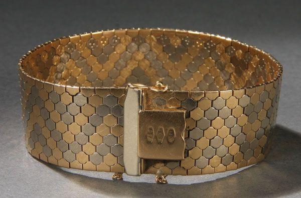 A FINE UNO A ERRE ITALIAN 18K GOLD BRACELET, 20TH CENTURY Of