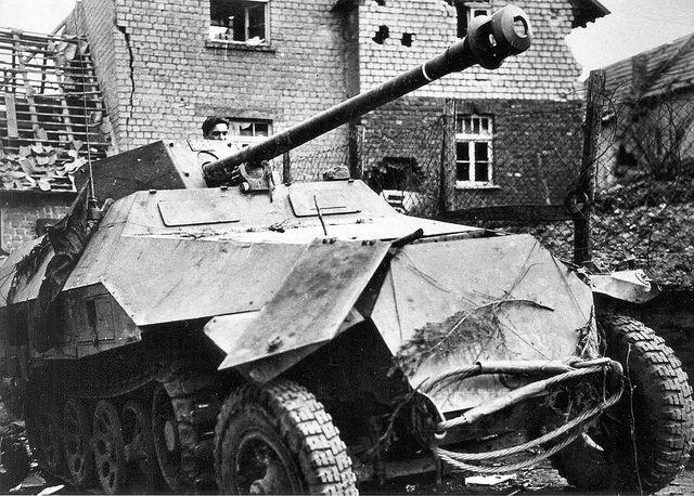 Sd.Kfz. 251/22 7,5 cm PaK 40 L/46 | WW2 1943 | Pinterest