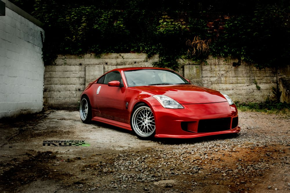 Beautiful Superbe Nissan 350Z Car Wrap 3M 1080 Gloss Dragon Fire Red Wrap