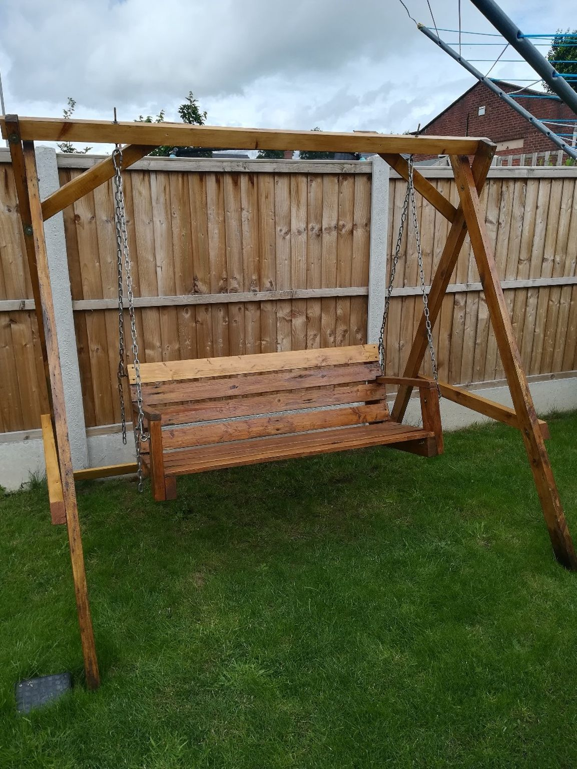 A wooden garden swing ue discover shpock for more beautiful