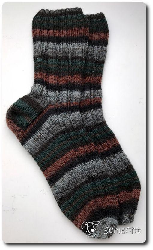 Photo of Neue Socken braucht das Land :o) Die Eckpunkte: Größe: 44/45 Anschlag: 68/17 p…