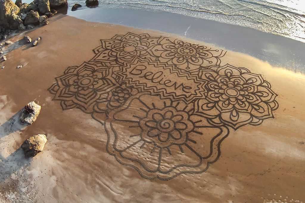 Andres Amaros' amazing works of art...on the beach! how cool is that! http://www.andresamadorarts.com/