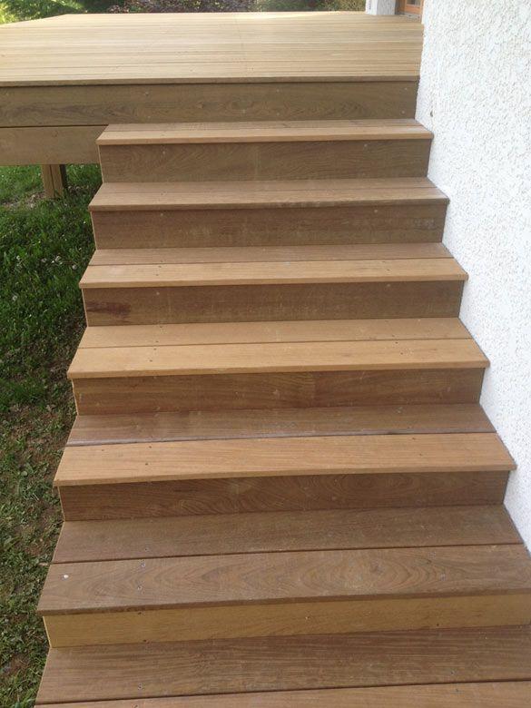 Terrasse en bois exotique (Ipé) sur pilotis + escalier Cour