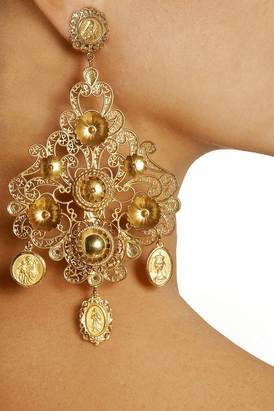 Dolce gabbana filigrana gold plated chandelier clip earrings dolce gabbana filigrana gold plated chandelier clip earrings aloadofball Gallery