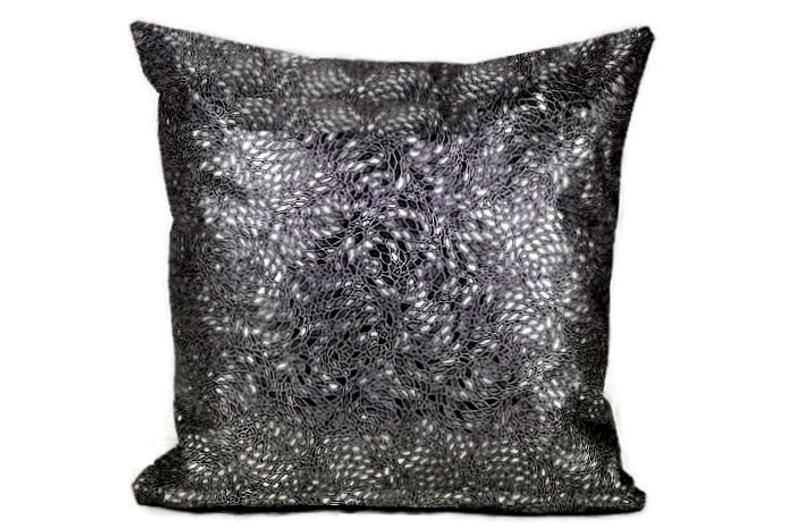 Metallic Throw Pillow Cover Silver Black Throw Pillow Cover Faux Leather Cushion Cover Snake Skin Couch Pillow Cover Crocodile Pillow Cover Metallic Throw Pillow Black Throw Pillows Throw Pillows
