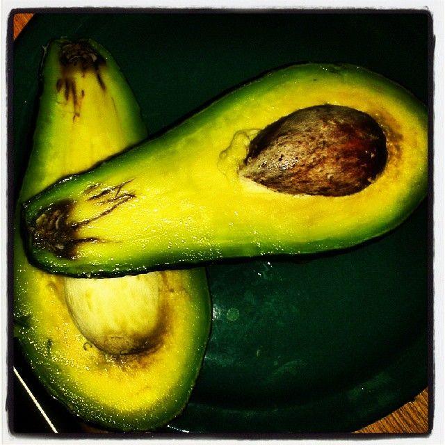 Startujemy z #guacamole #avocado #pestoavocado #pyyycha #porcjazdrowia #zielonomi #vegan #vegetarian #instafood #lifestyle #macierzynstwo #zdrowyposilek by magdalenaswobodnie