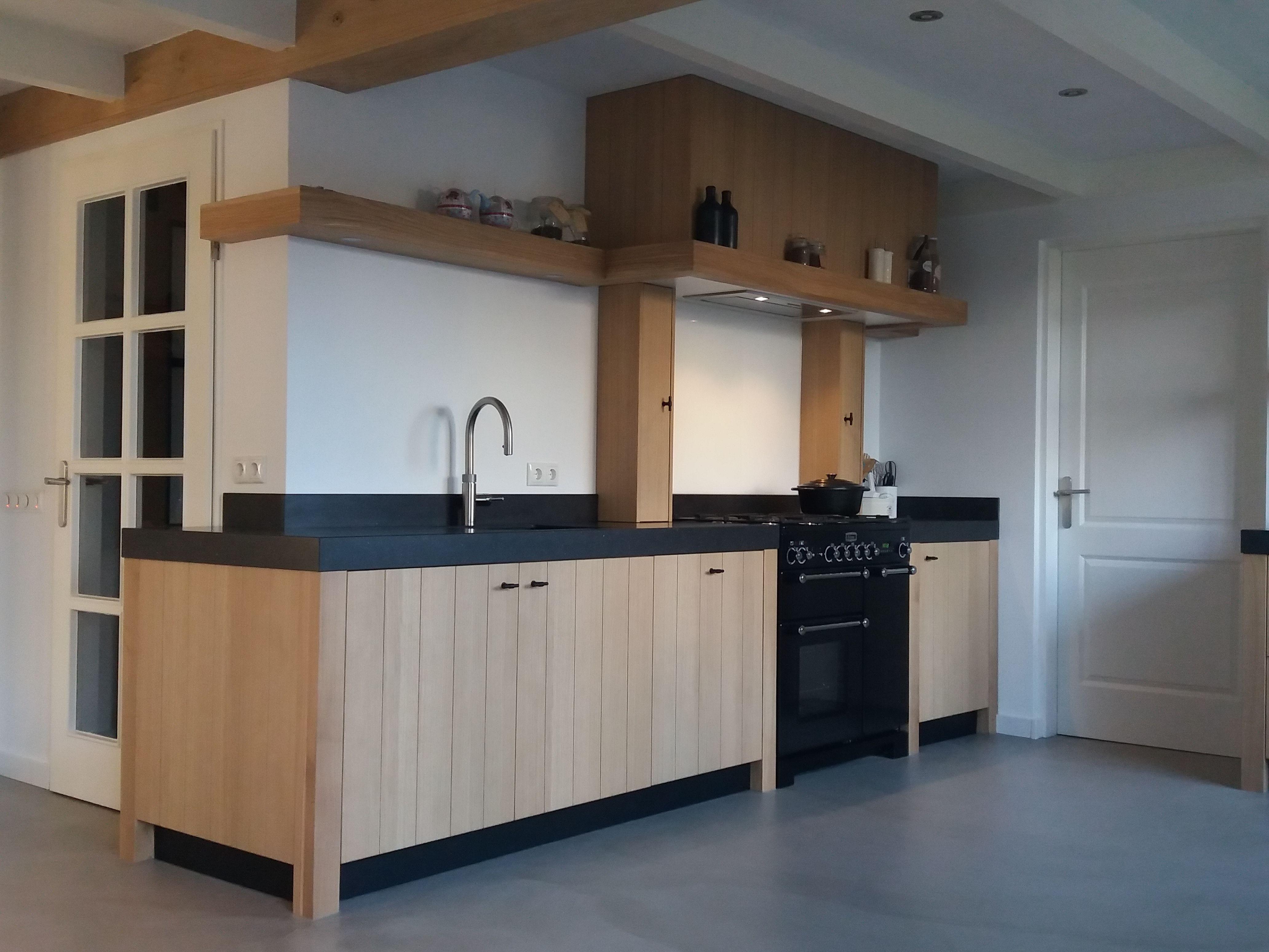 Een tot in detail perfecte handgemaakte keuken. met falcon classic