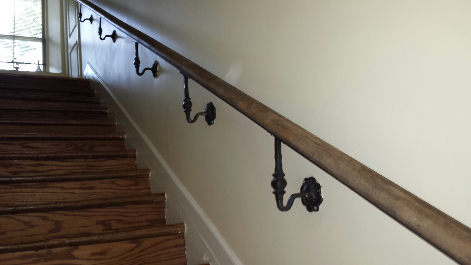 Handrail Brackets for Staircases Wrought Iron Handrails for Outdoor Steps Interior External Wall Mounted Black Metal Handrails for Indoor Stairs