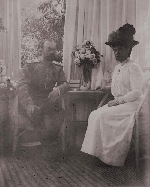 """Tsar Nicholas II of Russia and his mother Dowager Empress Marie Feodorovna of Russia in 1915. """"AL"""""""