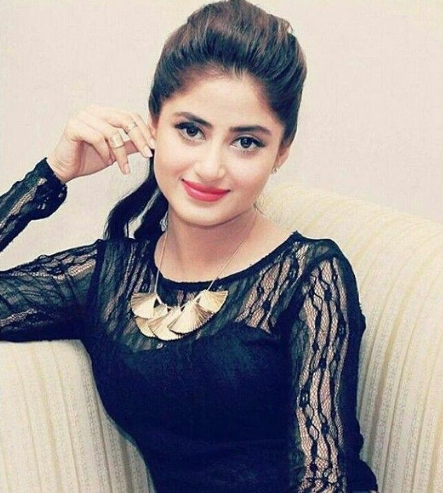 Sajal Ali sexy actress Height, Weight, Age, Body Measurement, Wedding, Bra Size, Husband, DOB, instagram, facebook, twitter, wiki