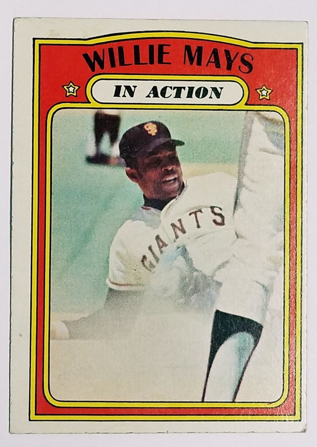 1972 topps 50 willie mays hof in action say hey