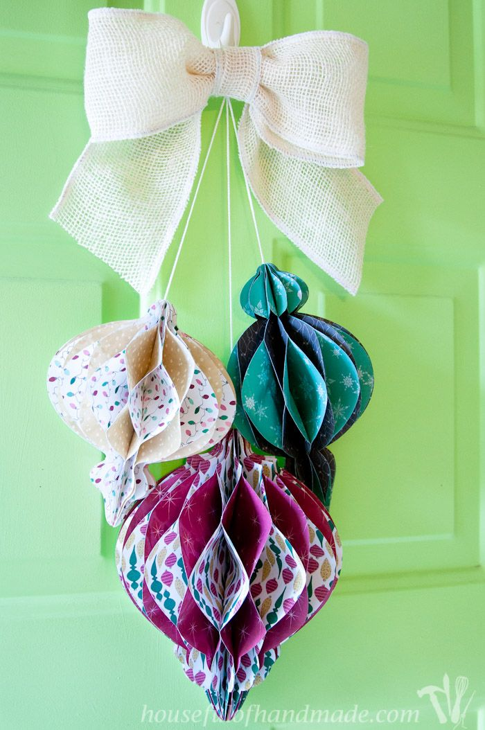 DIY Giant Paper Ornament Christmas Wreath Paper