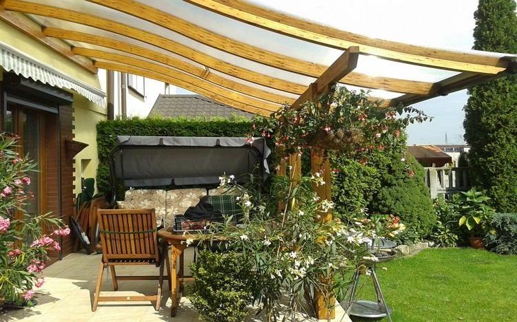 protection solaire 55 id es pour la terrasse ext rieur. Black Bedroom Furniture Sets. Home Design Ideas