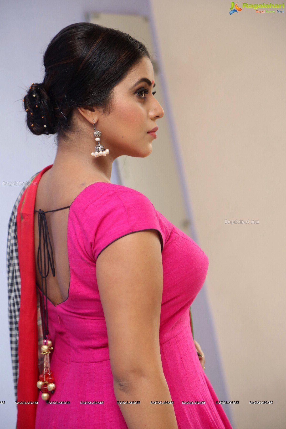 Xxx Lakshmi Menon Ele photos - poorna at jayammu nischayammu raa teaser launch | l