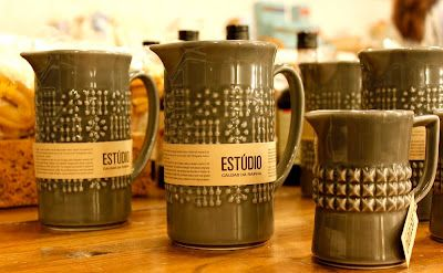 "Secla, a national brand that has been extinguished, sees a new life , with these mugs and cups ""Estúdio""."