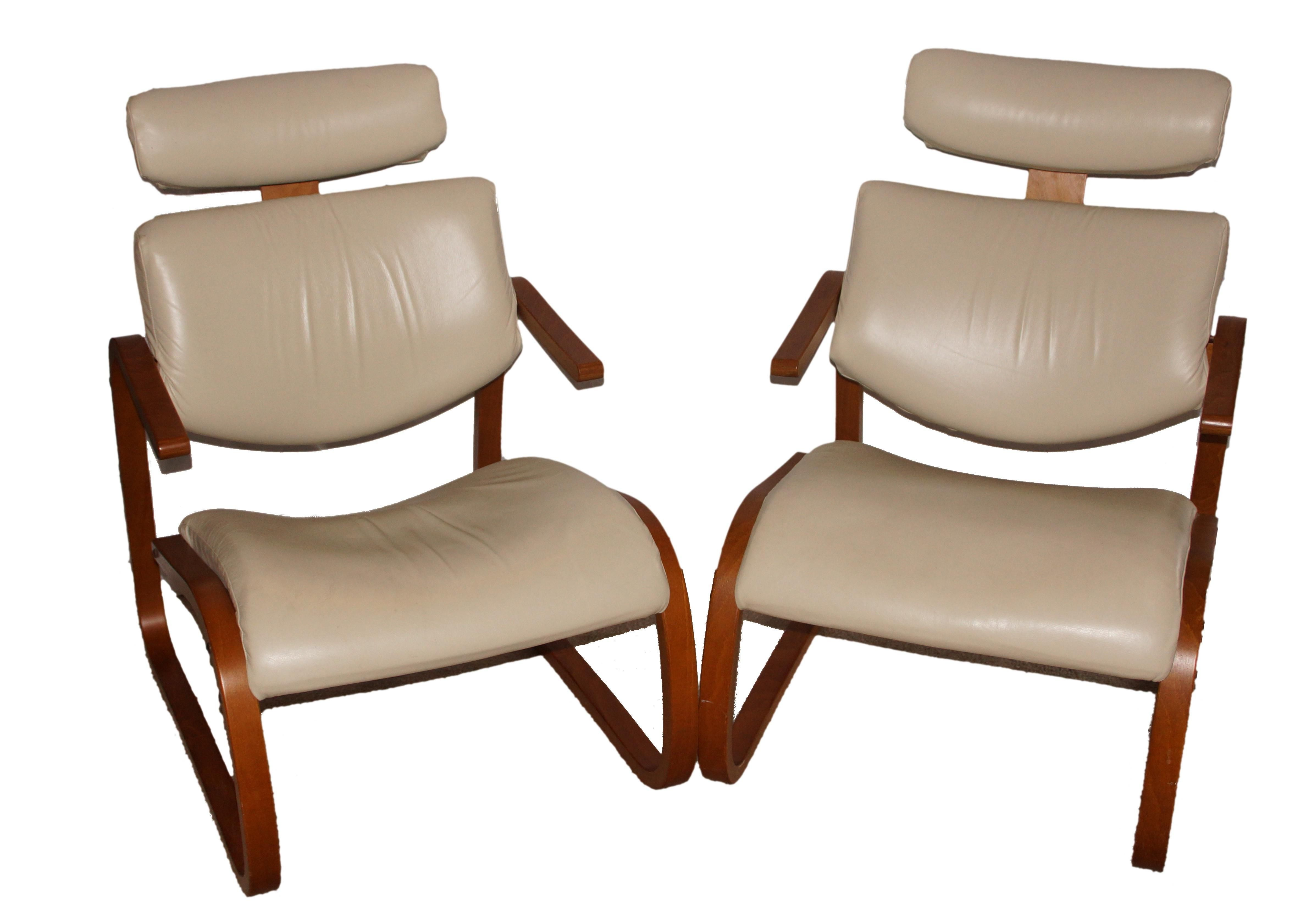 Rykken + Co Bentwood And White Leather Cantilever Lounge Chairs. Circa  1960u0027s 70u0027s.