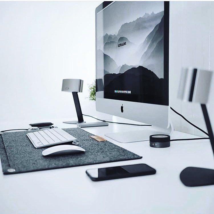 Deskdsign Un Bureau Agreable C Est Important Pour Travailler Avec Productivite Sur Le Web Affiliation E Bureau De Jeu Fauteuil Bureau Design Bureau Ordinateur