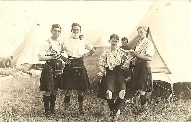 9th Royal Scots shaving in the field (WW1)
