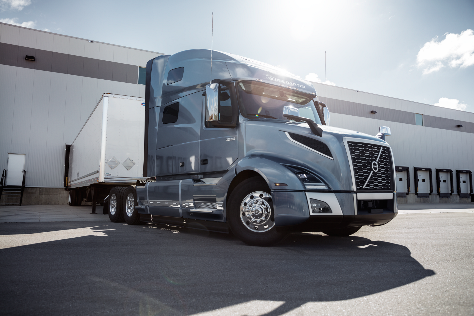 Volvo Trucks Announced The New Xceed Fuel Efficiency Package For Volvo Vnl 760 And Vnl 860 Models Operating In Dry Van And Volvo Volvo Trucks Fuel Efficient