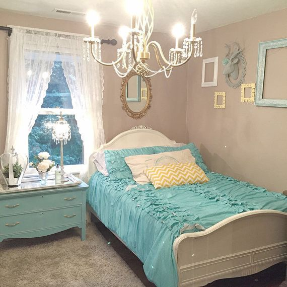 Full Size Bed Frame White Chalk Painted Girls Bedroom Vintage Shabby - decoracion recamara vintage