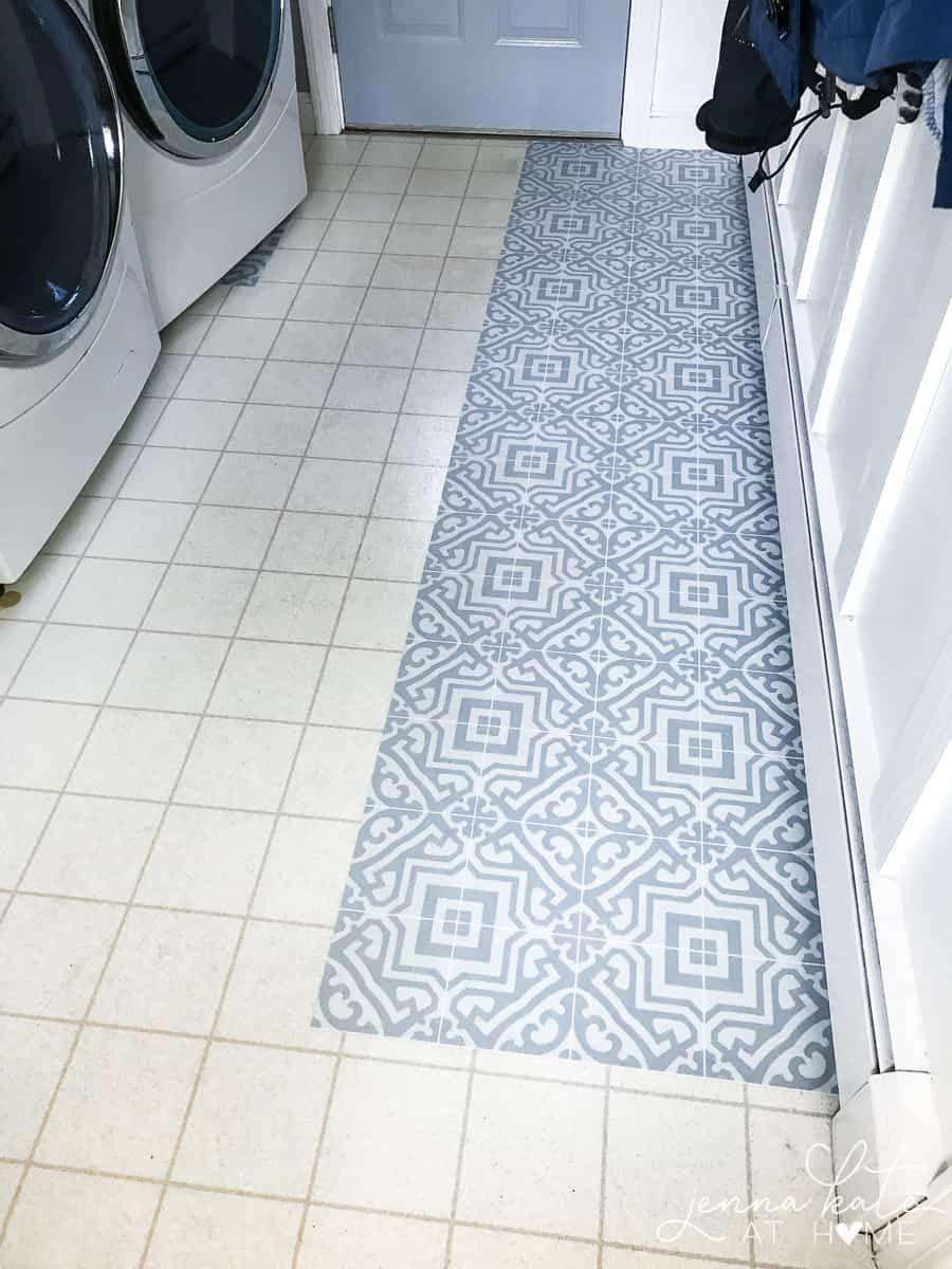 Vinyl-Bodensticker eignen sich perfekt für Küchen, Badezimmer und