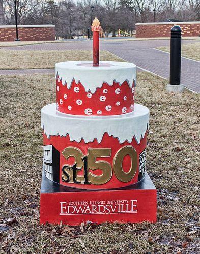 Southern Illinois Univ Edwardsville Cake 197. Autumn Huff, Heather Kniffek, & Carol Dappert, artist