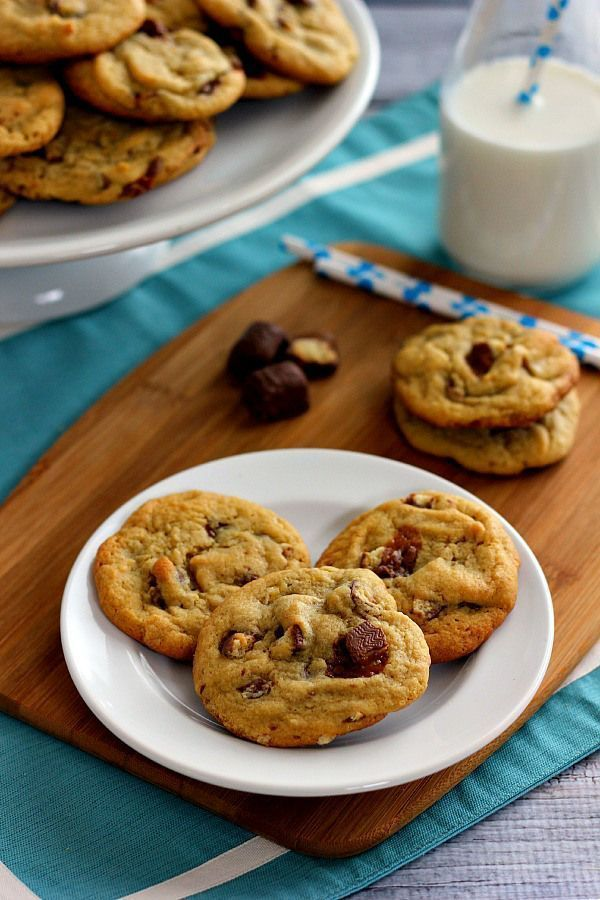 Chewy Twix Cookies #twixcookies These Chewy Twix Cookies are soft and chewy, loaded with twix pieces and baked until they're slightly crispy on the edges but fluffy on the inside. #twixcookies Chewy Twix Cookies #twixcookies These Chewy Twix Cookies are soft and chewy, loaded with twix pieces and baked until they're slightly crispy on the edges but fluffy on the inside. #twixcookies Chewy Twix Cookies #twixcookies These Chewy Twix Cookies are soft and chewy, loaded with twix pieces and baked unt #twixcookies