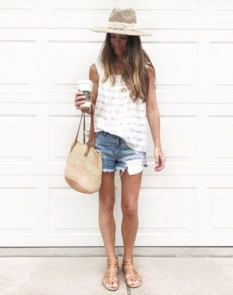 46 Lovely Bermuda Shorts Ideas To Rock This Season – LUVLYOUTFITS