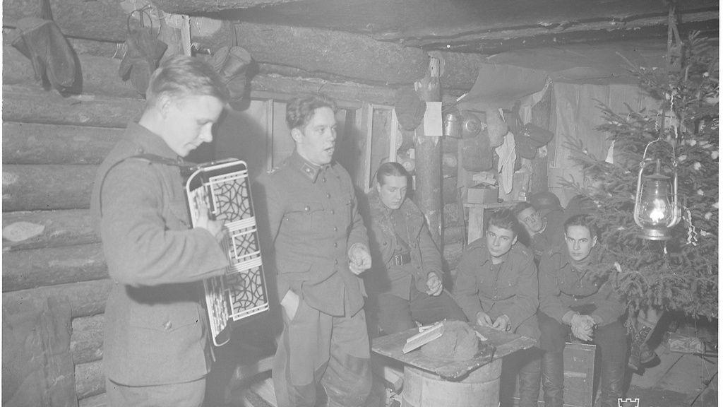 """Kuvat sotajouluista 1939–44: Sydäntä särkevät tarinat eivät unohdu – """"Hän itki äänettömästi ja vapisi koko mies"""" - Kotimaa - Uutiset - MTV.fi"""