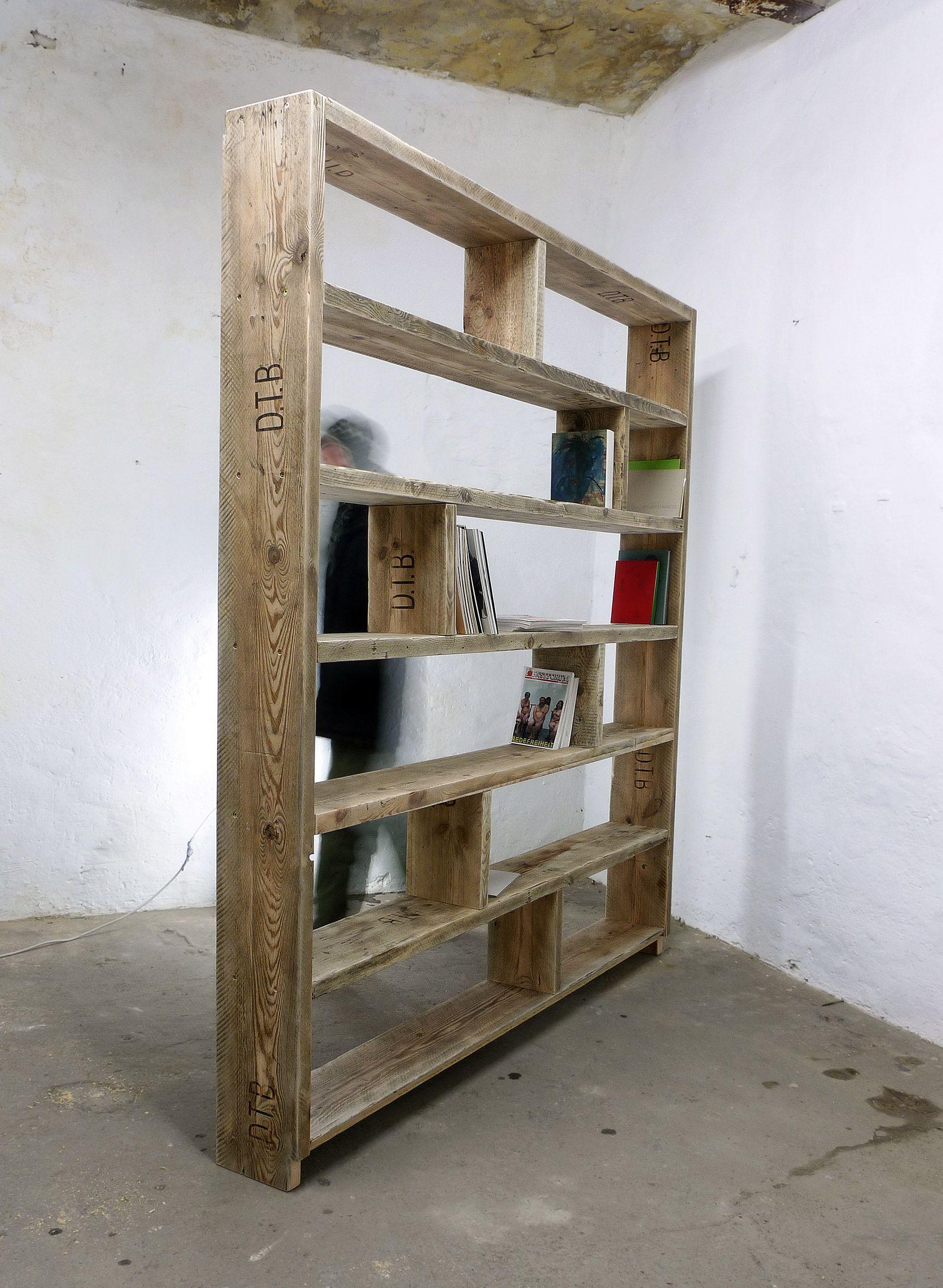 Regal Aus Bauholz In 2019 Bucherregale Shelves Bookcase Und