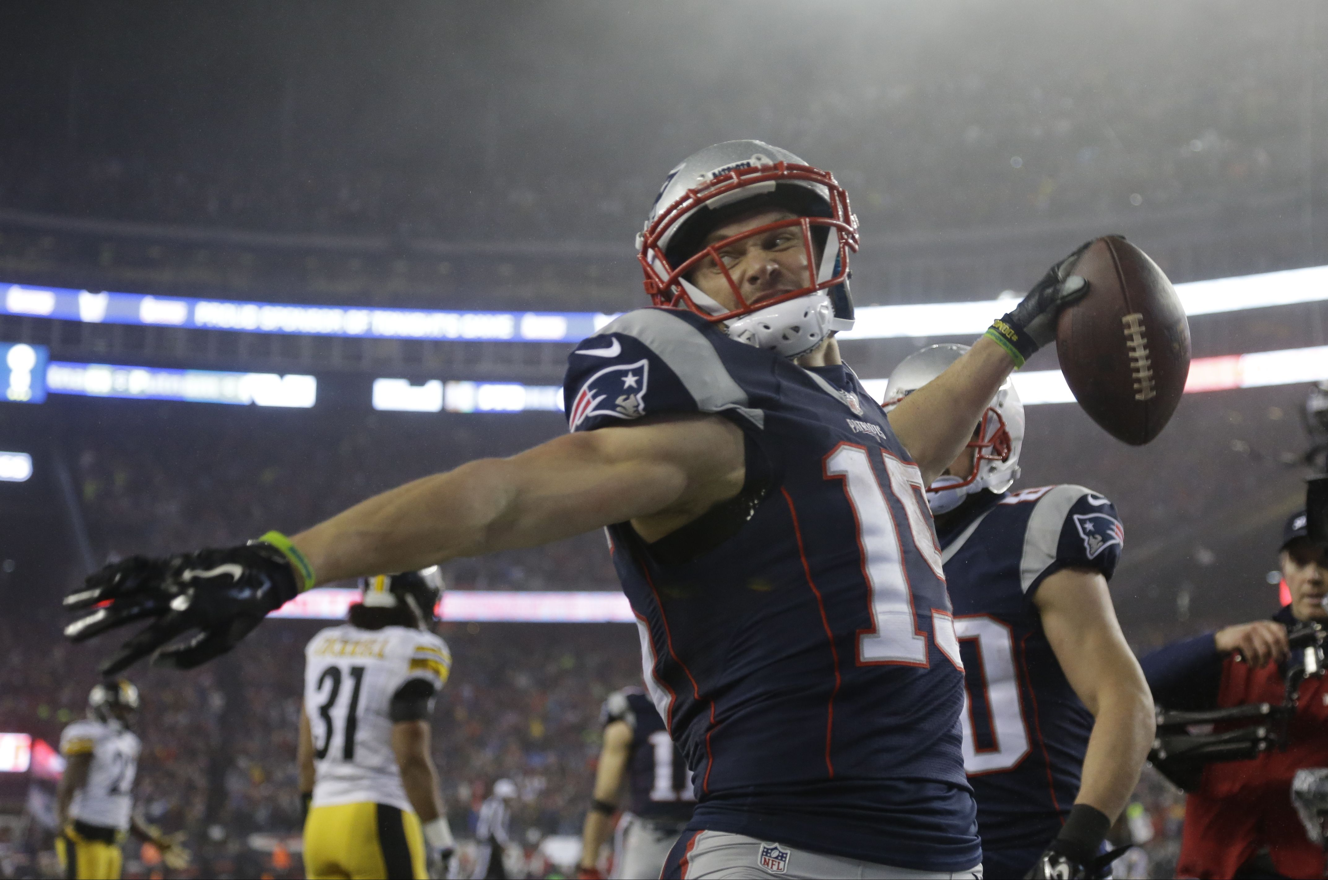 Chris Hogan Has A Reason To Be Jacked Up In His First Ever Playoff Game He Set A Patriots Franchise Record For Afc Championship Patriots New England Patriots