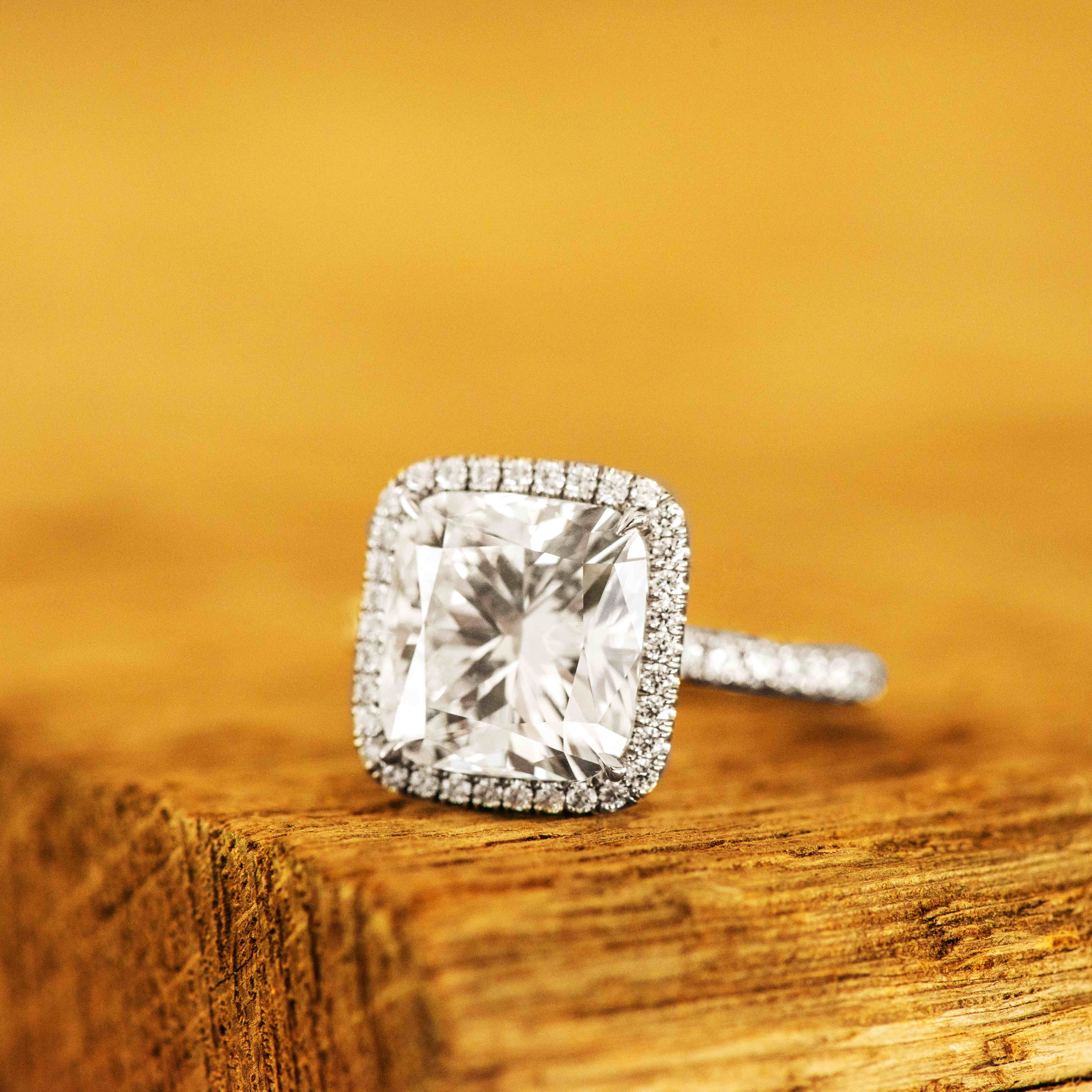 We Strive To Give Our Customers The Absolute Best Experience Buying Diamonds Stop By The Universal Diamonds Showr Diamond Jewelry Store Jewelry Diamond Stores