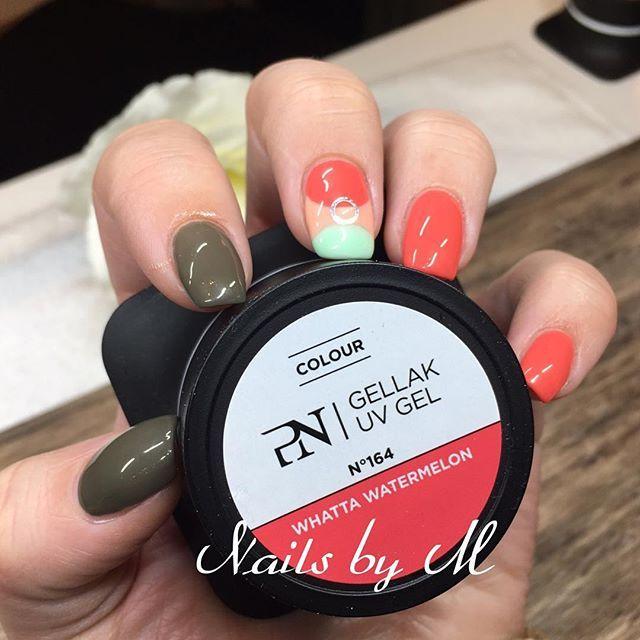 Wownails love IT #pronails #pronailsnorge #norpronails #loveyourhands #gelnails #gel#negler #nails#nailart #nails2inspire #lajuicebarcollection #gellak #nailynews#naildesigner #nailsalon #sørlandet #søgne #tånevig #mandal #kristiansand #norway #followme #nails_by_mette #pronails_hq #