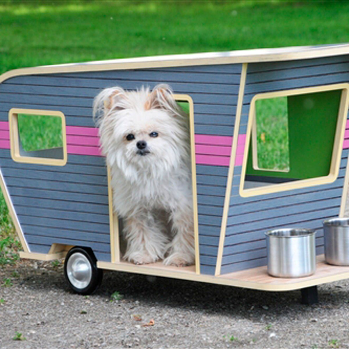 10 Most Outrageous Dog Beds Dog trailer, Cool dog houses