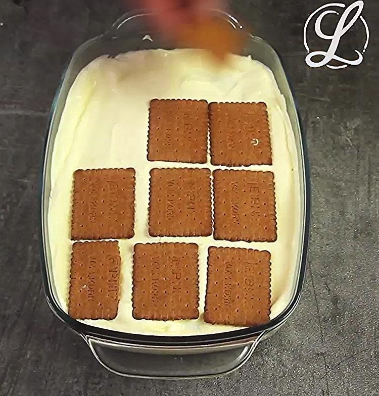 Eclair Kuchen Rezept Ohne Backen Mit Keksen Und Pudding Rezept Eclair Puddingkuchen In 2020 Eclair Cake Recipes Sweet Bakery Desserts