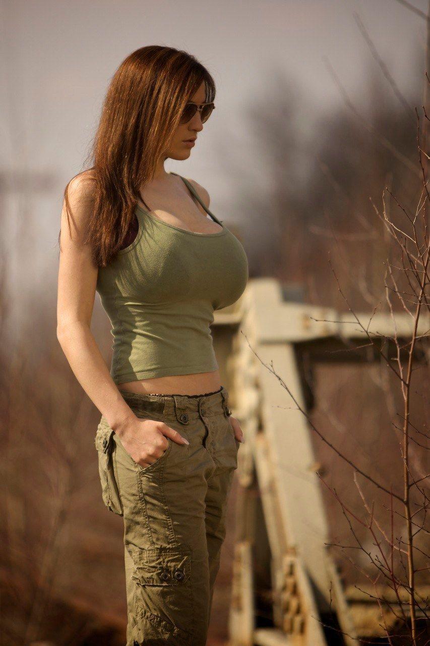 Jordan Carver Bra Size And Body Measurements  Lovely Jordan Carver -6561