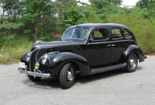 1938 ford deluxe four door sedan horseless carriage for 1938 ford 4 door sedan
