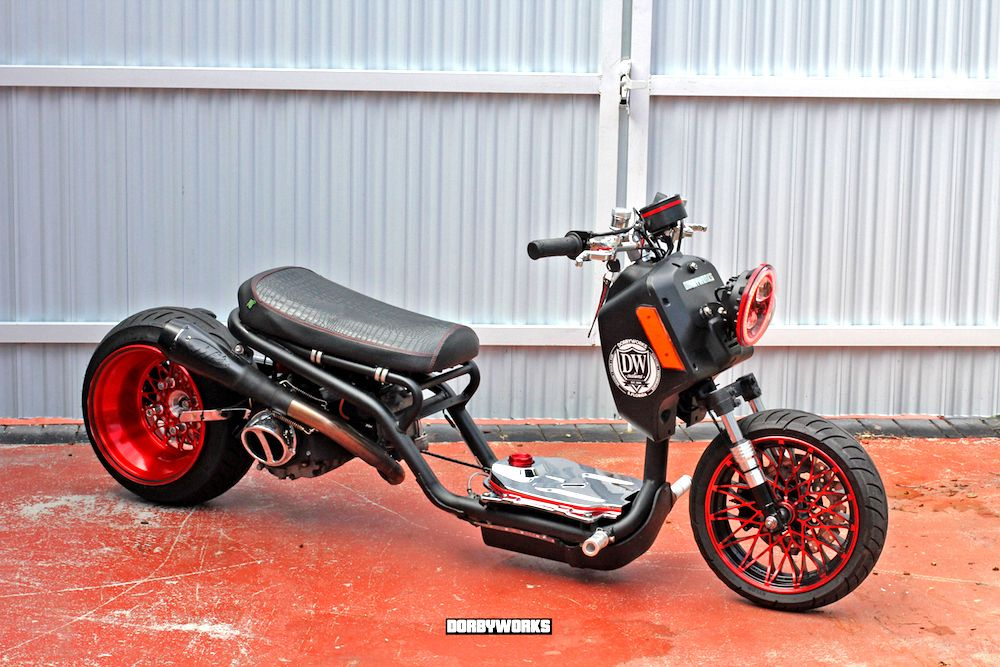 Mad Upgrades To This Ruckus Clone By Dorbyworks Including Our Croc Combo Seat Cover Cheekyseats Madeinpennsylvania Honda Ruckus Honda Scooter Custom