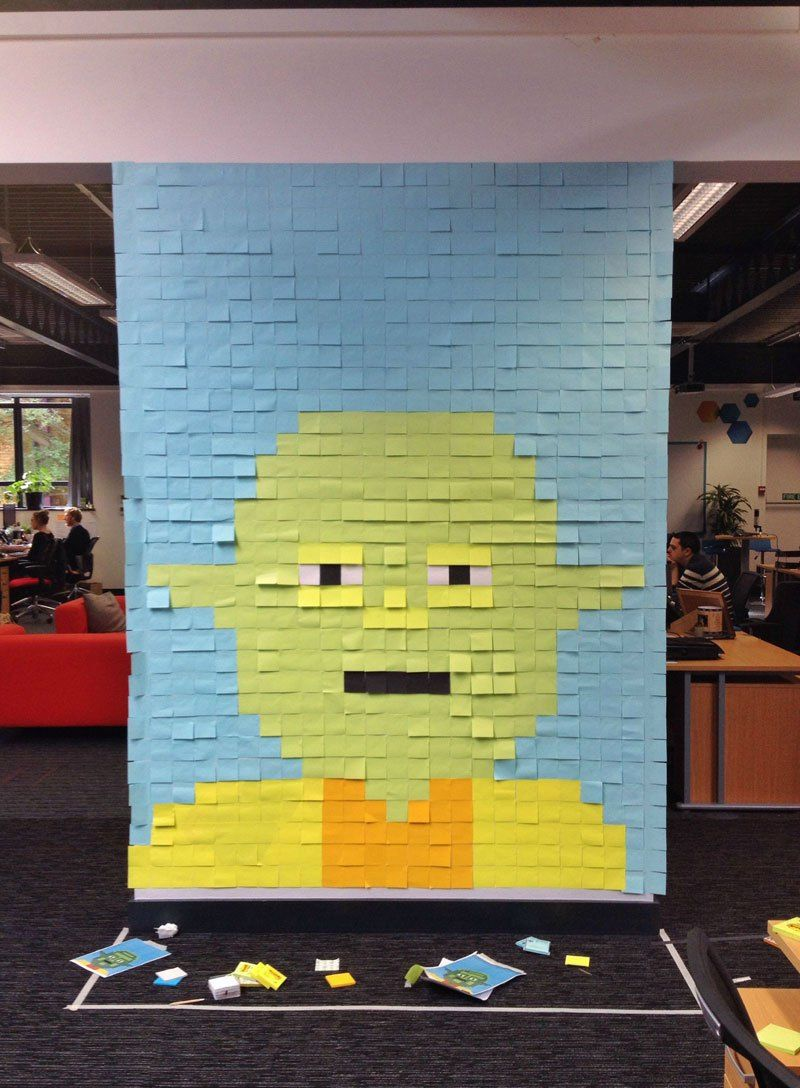 Co Workers Use Post Its To Turn Boring Office Walls Into Awesome Star Wars Characters Star Wars Poster Office Mural Star Wars Characters