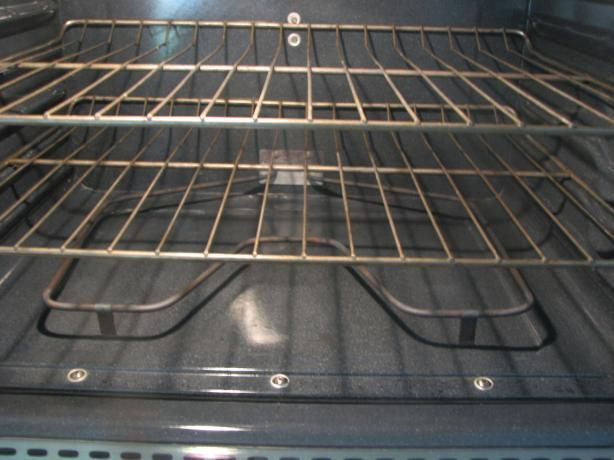 Oven Rack Cleaner Soak In Bathtub With Hot Water 1 2 Cup