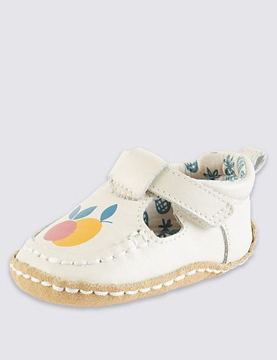 Girls shoes, Baby girl clothes