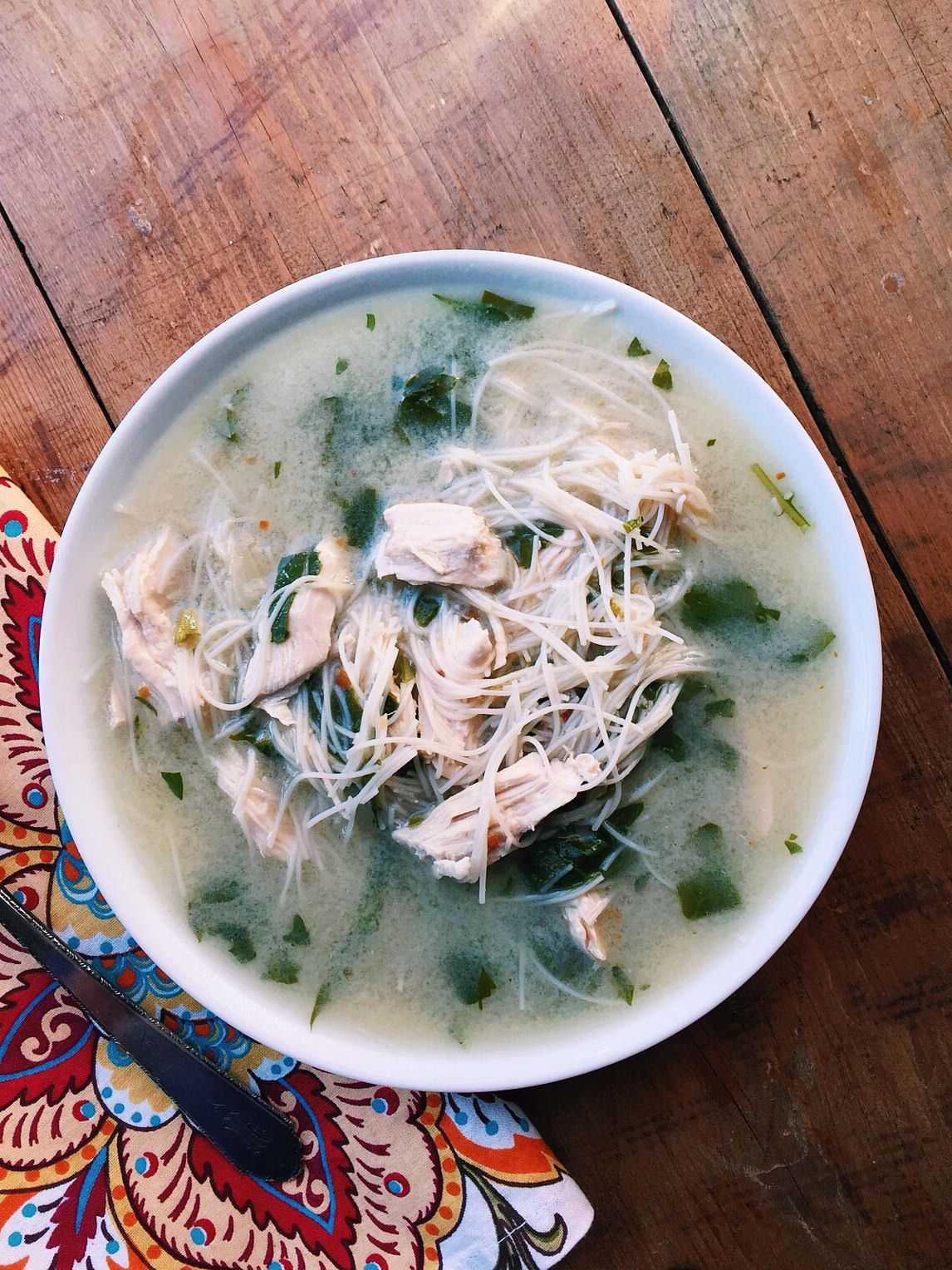 This Thai Chicken Noodle Soup highlights delicate rice vermicelli noodles, ginger, garlic, coconut milk and fish sauce for an amazing aromatic flavor.