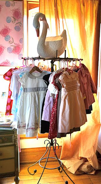 Soo Cute Vintage Clothing Rack I Think This Would Be A Fantastic Idea While She S So Small That Her Clothes Are Almos Kids Room Little Girl Dresses Girl Room